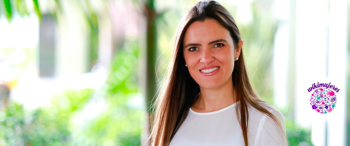 Brenda Pazos, abogada y master de la Universidad de los Andes, lideró la campaña de crowfunding (financiación colectiva) que logró reunir 6 millones de pesos para apoyar la Cena por Quiero Estudiar que se realizará el próximo 31 de mayo en el Country Club de Bogotá.